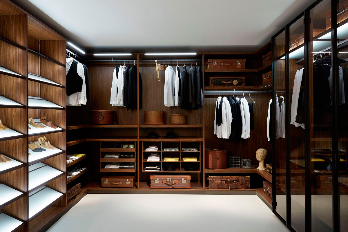Mens Walk-In Closet - Woburn Mass