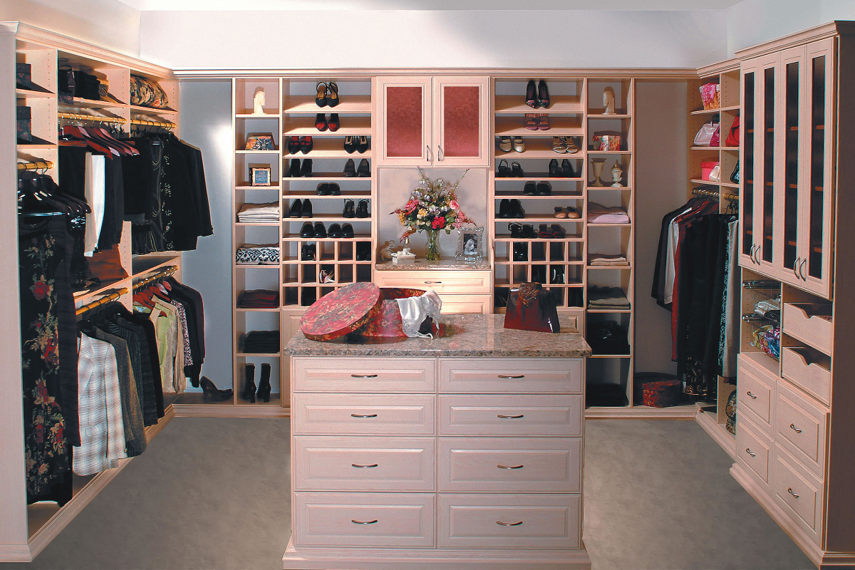 Walk-In Closet - Woburn Mass
